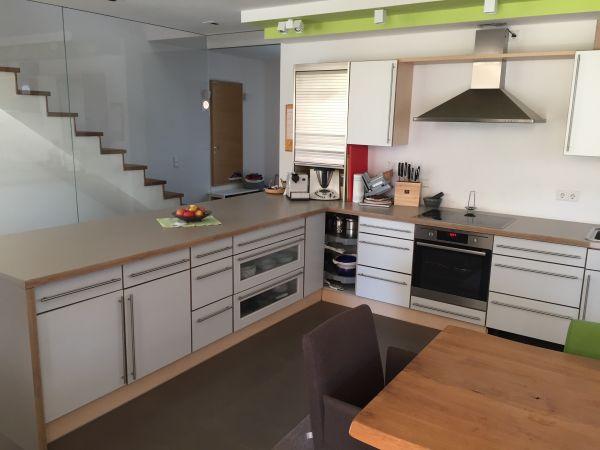 Große küche vom küchenzeilen anbauküchen