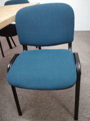 Stapelbar breite Büro- oder Konferenzstühle