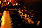 Organist Keyboarder gesucht für 70er