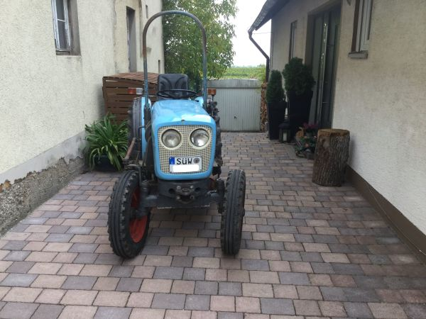 eicher 3705 74 schmalspur traktor schepper 34ps. Black Bedroom Furniture Sets. Home Design Ideas