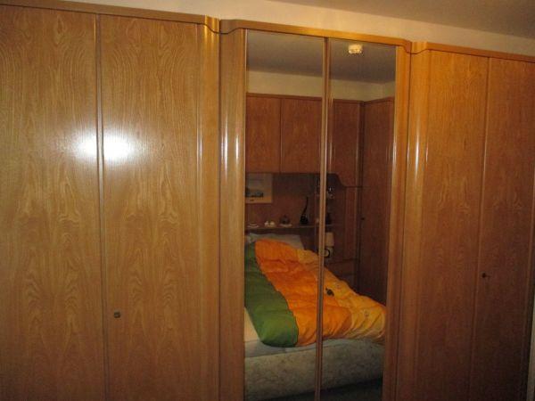 Schlafzimmer zu verschenken in München - Schränke, Sonstige ...