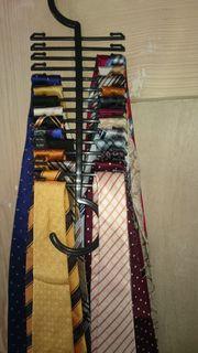 Dieverse Krawatten aus