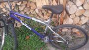 Mountainbike, älteres Modell,