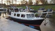 Motorboot - Kajütboot - Stahlverdränger