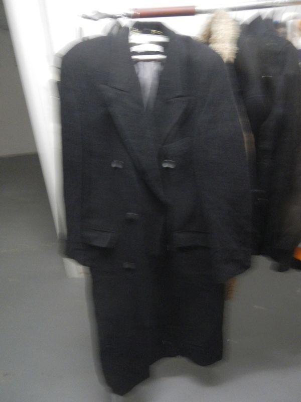langer Mantel Bäumler Avantgarde, keine Größe, - Fellbach Oeffingen - langer Mantel Bäumler Avantgarde, keine Größe, 2 innen 2 Außentaschen schwarz, Kopfleiste - Fellbach Oeffingen