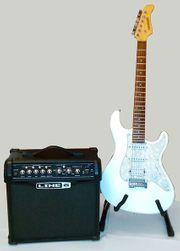E-Gitarre ST-Style mit Verstärker