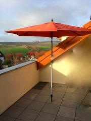 Sonnenschirm mit intergrierter Kurbel und