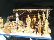 Weihnachtskrippe beleuchtbar mit 25 hangeschnitzten