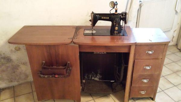 alte nahmaschine tisch gebraucht kaufen nur 3 st bis 60. Black Bedroom Furniture Sets. Home Design Ideas