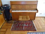 Klavier Marke Knight zu verkaufen