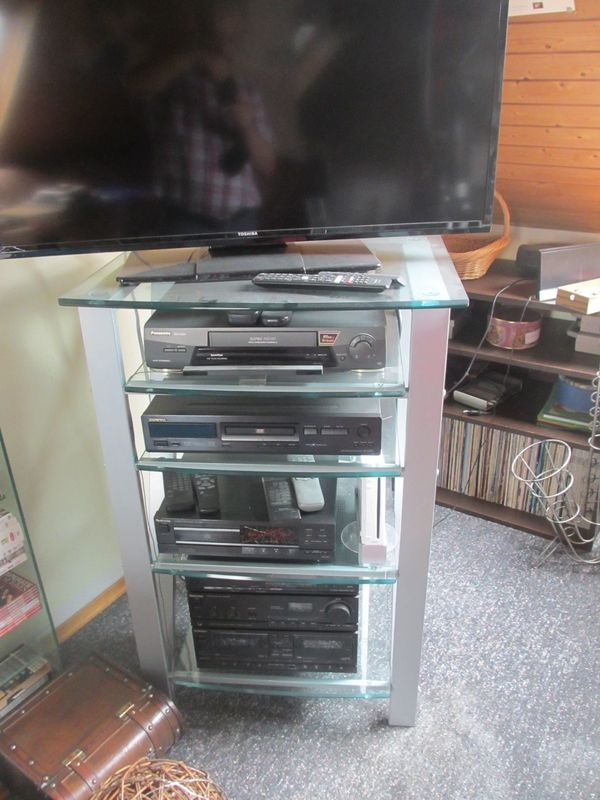 bdcb4ee015ca33 TV-Möbel günstig gebraucht kaufen - TV-Möbel verkaufen - dhd24.com