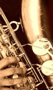 Saxophonist (Tenor) wieder