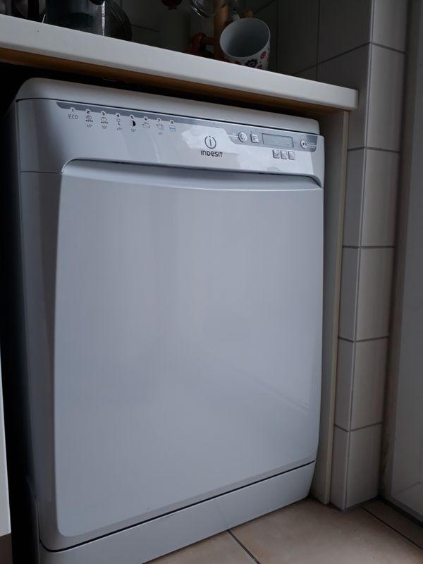 Geschirrspülmaschine Indesit NEUWERTIG