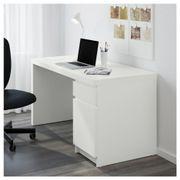 Schreibtisch ikea malm  Ikea Malm Schreibtisch - Haushalt & Möbel - gebraucht und neu ...