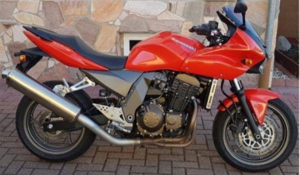Gepflegte Kawaski Z750S zu verkaufen - Rheinau - Kawasaki, Z 750 S, 35,3 kW, 24400 km, Bj. 2005, EZ 01/2005, Rot, TÜV 05/2020, 2. Hand, Garagenfahrzeug, scheckheftgepflegt. Ich verkaufe meine geliebte und gepflegte Kawasaki Z 750 S.Die Maschine ist aus zweiter Hand und scheckheftgepflegt. Das - Rheinau
