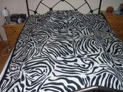 Coole Zebradecke mit Veloursbandeinfassung 150x180