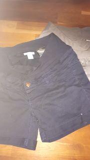 2 Kurze Hosen