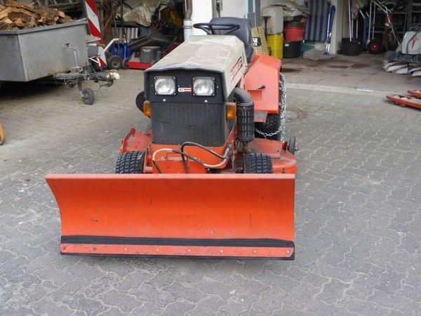 traktor gutbrod 2350 d mit hydraulischem schneeschild. Black Bedroom Furniture Sets. Home Design Ideas