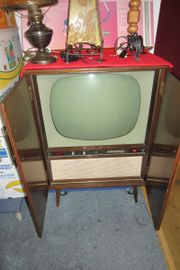 Fernseh Schrank alt
