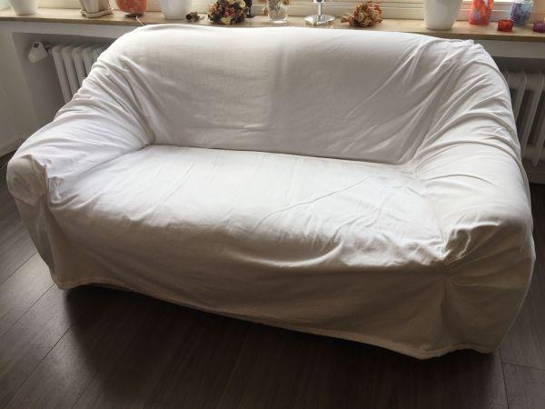 sofa zweisitzer mit wei em berzug in d sseldorf polster sessel couch kaufen und verkaufen. Black Bedroom Furniture Sets. Home Design Ideas