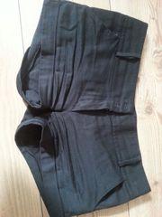 Schwarze Shorts Gr M oder