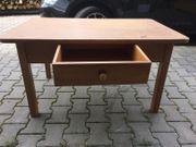 Holztisch / Tisch mit