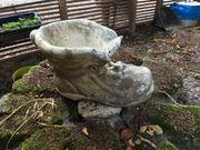 Großer Stein Schuh zum bepflanzen