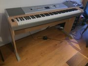 E-PIANO Yamaha Portable Grand DGX-620