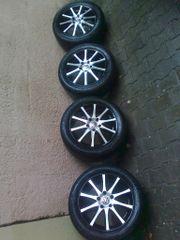 4 schwarze Dezent