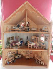 Puppenhaus komplett bestückt