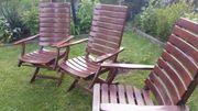 Drei Garten Stühlen