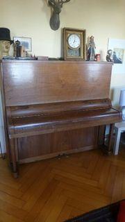 Klavier zur Deko