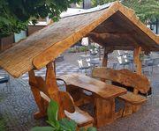 Überdachte Garnitur - Holzpavillion