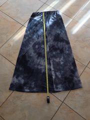 Langer grau-schwarzer Rock Größe 38