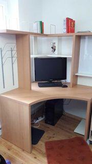 Büro / Eckbüro / Schreibtisch