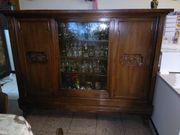 Schöner alter Esszimmerschrank Küchenschrank