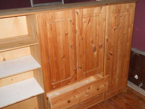 Weichholzschrank hell vier Türen zwei