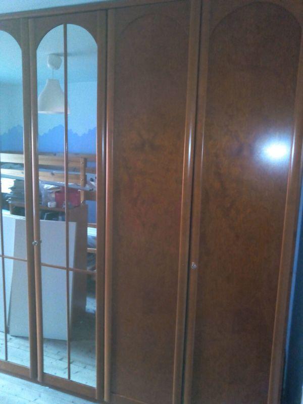 Kirschholz-Kleiderschrank zu verschenken in sehr gutem Zustand in ...