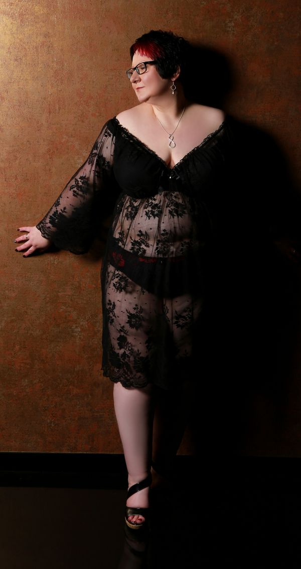 Lilly 35 - Plus Size Model