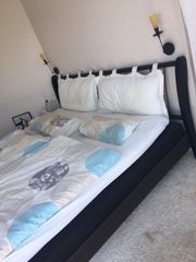 Tolles modernes Bett