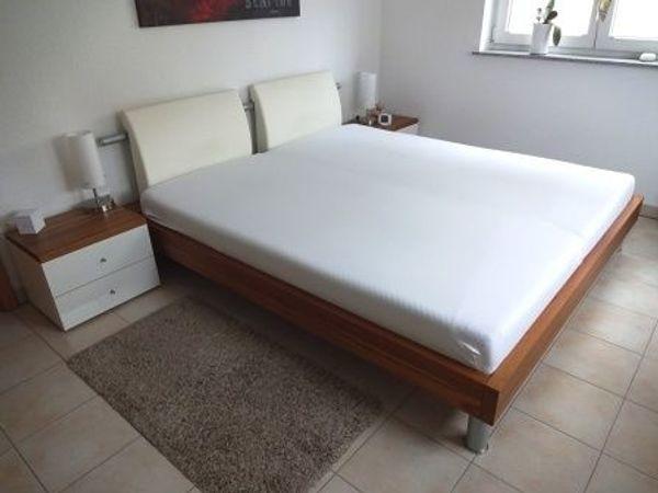 Hülsta NOW Time Schlafzimmer komplett in Lack polarweiß/nussbaum in ...