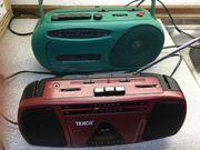 2 kleine Radios mit Cassettenfunktion