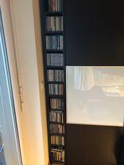 CD-Sammlung mit Regal