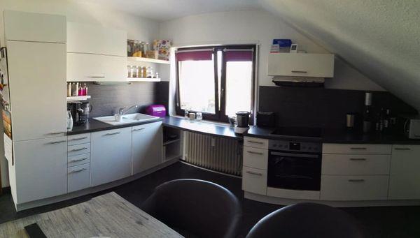 Weiße Hochglanz Einbauküche zu verkaufen in Brühl - Küchenzeilen ...