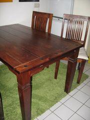 Massivholztisch, 3 Stühle,