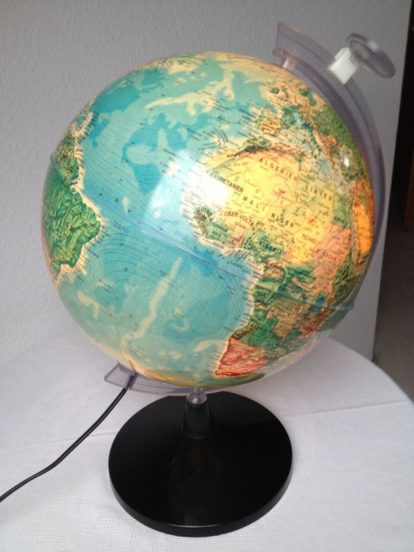 globus weltkugel beleuchtet mit lupe in karlsruhe schul und lehrbedarf kaufen und. Black Bedroom Furniture Sets. Home Design Ideas