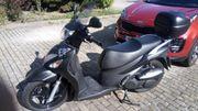 Motorroller Suzuki Sixteen