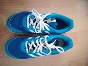 Hallenschuhe von Adidas