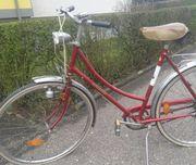 Rotes Fahrrad 26er
