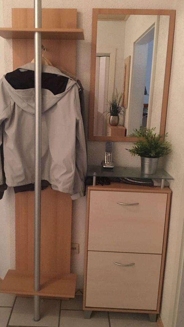 Komplette Garderobe Verkauft Nur Noch Kommode Mit Glasplatte